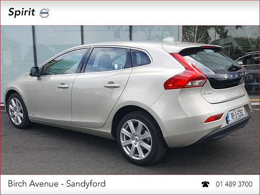 2018 (181) Volvo V40 D2 Inscription 120 HP