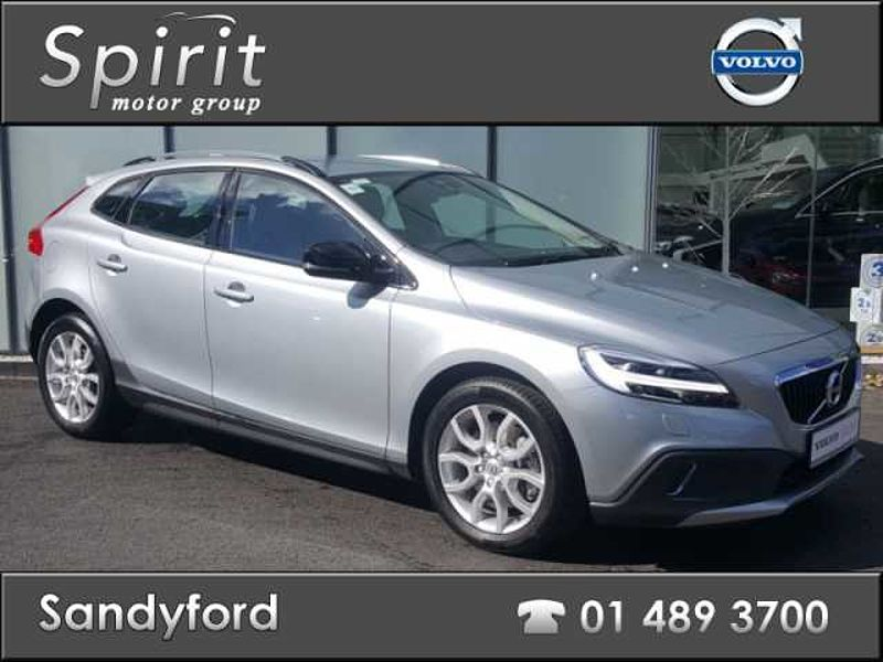 Volvo V40 D3 Cross Country Pro 150 HP Auto
